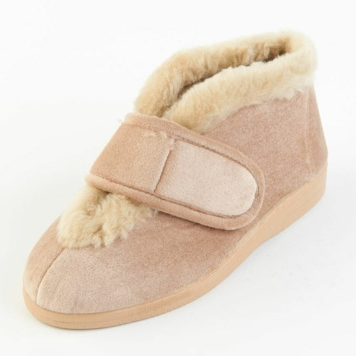 VAL NATURAL BOOTEES SIZE 5